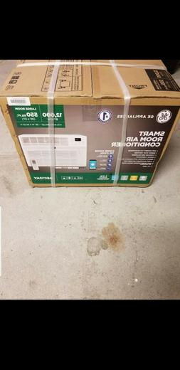 NEW!!  GE 12,100 BTU 115-Volt Smart Window Air Conditioner w